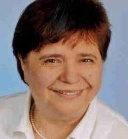 Gisela Passfoto August 2012_bearbeitet-1